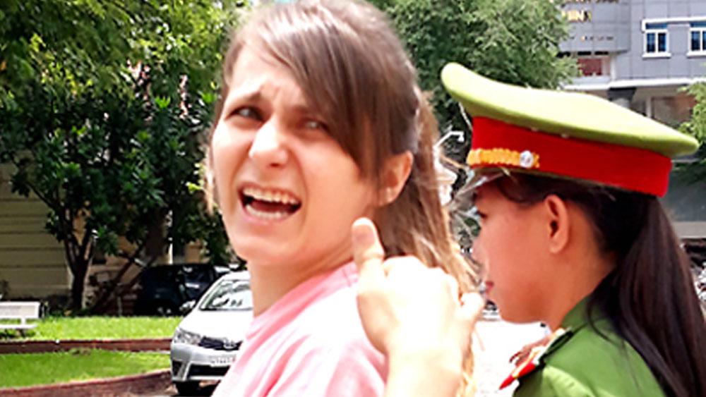 Cô gái Nga cầm đầu đường dây bán dâm ở TP Hồ Chí Minh lĩnh 3 năm tù